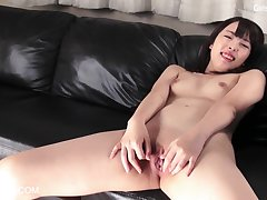 Cute Asian Teen Sakiho Pussy Rubbing