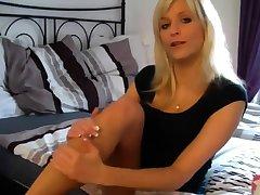 cute blonde cum heavens her toes