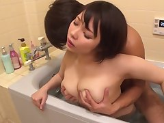 Lovable Japanese widely applicable added to girlfriend have oral sex in the bathtub