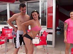 Closeup video of adorable Alexis Cherry effectively a sloppy blowjob