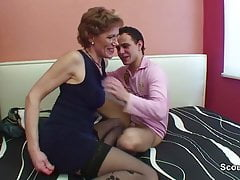 Mom with perfect body want to fuck german step-son !