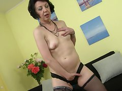 Mature cougar Zelma S plays with a toy like her life depends on it