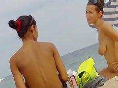 Voyeur Topless Beach Chunky Natural Tits Video
