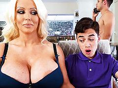 Honcho stepmom interested to taste schoolboy's dick