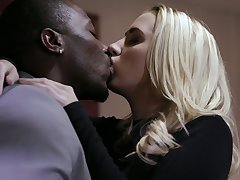 Ardent blonde hottie Sierra Nicole is busy with riding massive black blarney