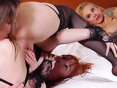 Sarah Jessie Hotness Intimacy Hour - Lesbian Orgy