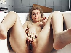 Old mother-in-law shaves vagina seduces the brush son-in-law