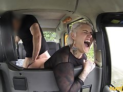 Insane back seat porn for bush-leaguer Tallulah Tease